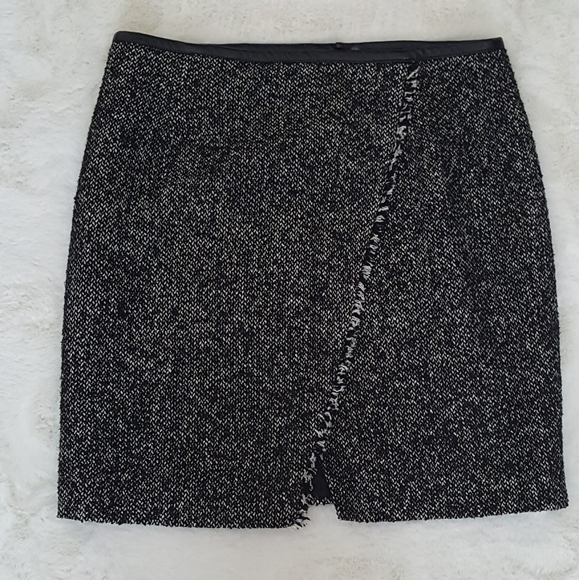 Mario Serrani black/white tweed mini skirt sz 8